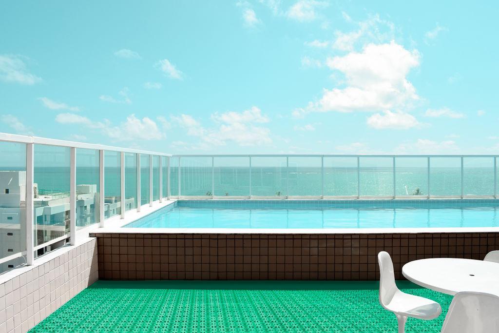 Außenfliese geeignet für Räume mit Schwimmbad
