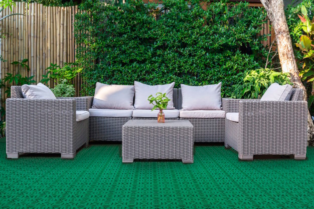 Outdoor plastic tile for year-round use